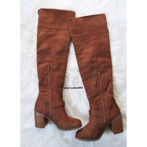 Shoes - Brown faux suede knee high boots ☕️